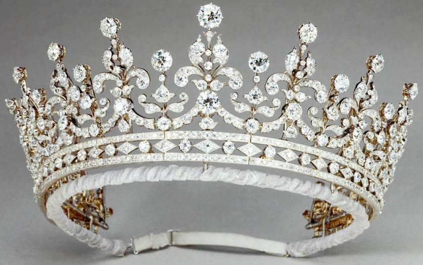 tiara der queen