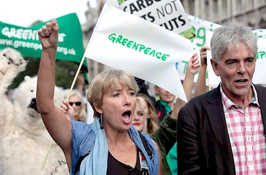 Emma Thmpson joins the march against climate change in September 2014