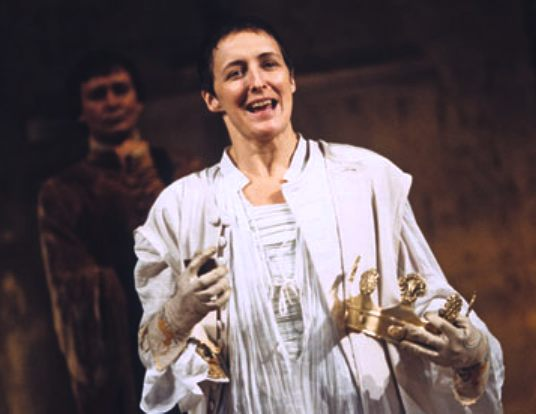 Fiona Shaw, playing Richard the second - Shakespeare
